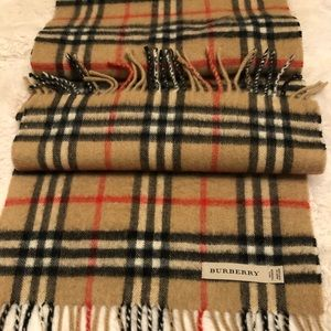 Burberry classic scarf 🧣100% cashmere